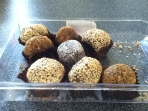 arabic dessert made of dates.